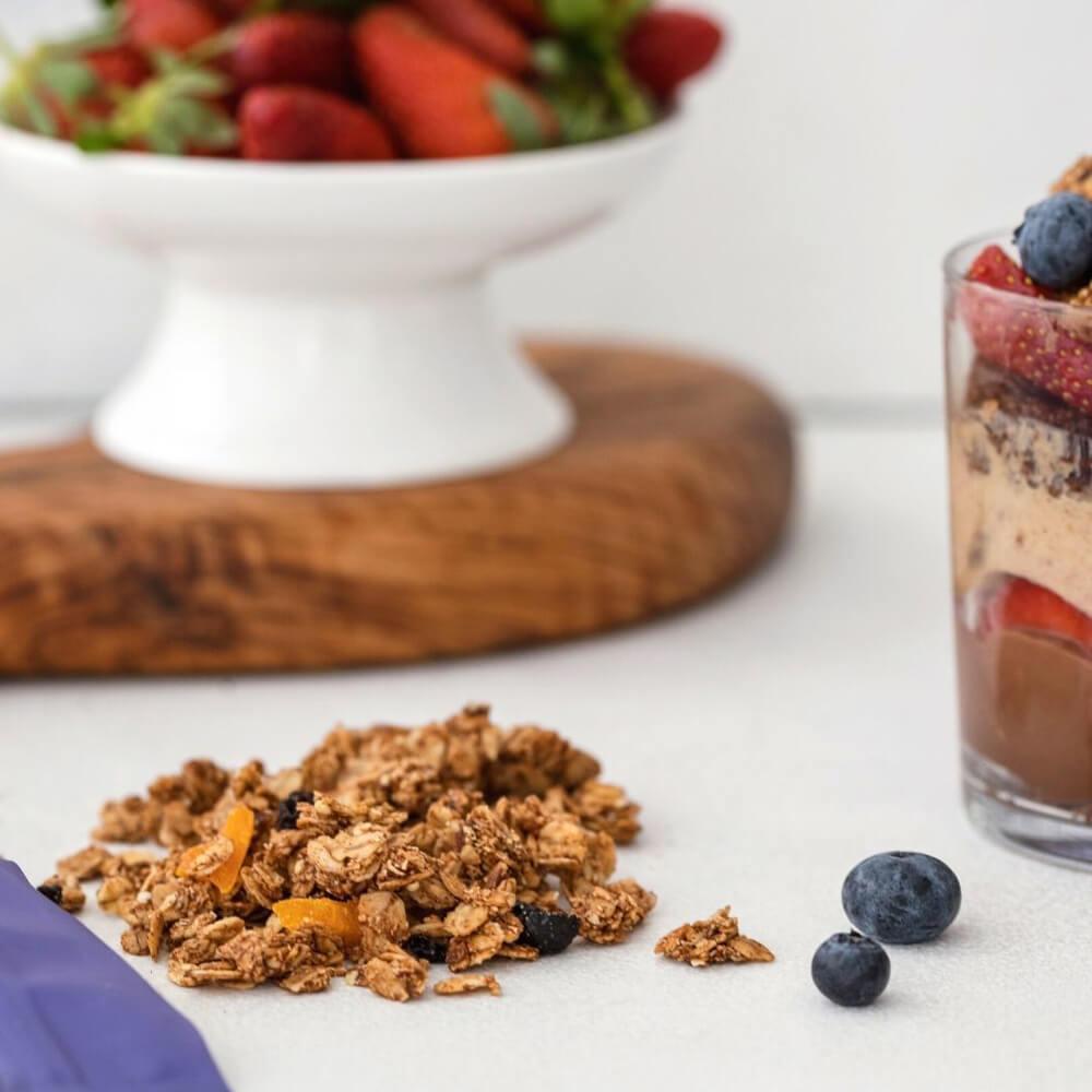 glutensiz-granola-yaban-mersini-mango-2-naturiga